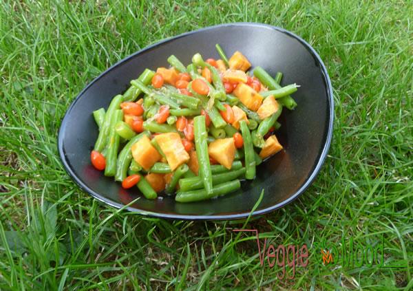 Salade de haricots verts, patate douce et baies de goji