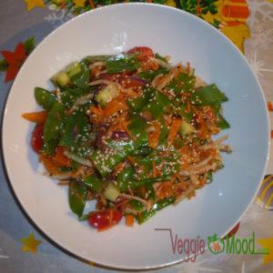Salade de pois goumands sauce piquante au sésame façon Thaï