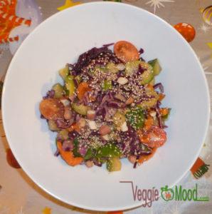 Salade de choux de Bruxelles vinaigrette à la cacahuète