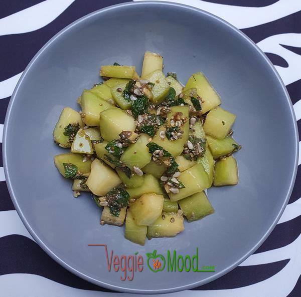 Salade de melon à la menthe et aux graines