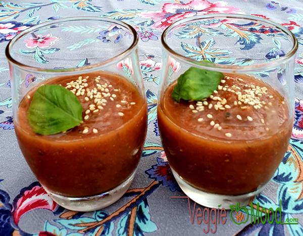 Recette gaspacho melon-tomates à la miso rouge