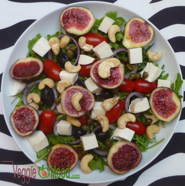 Salade de figues fraîches à la mozzarella vegan
