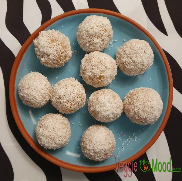 Flocons de Noël (Sablés vegan et sans gluten à la noix de coco)