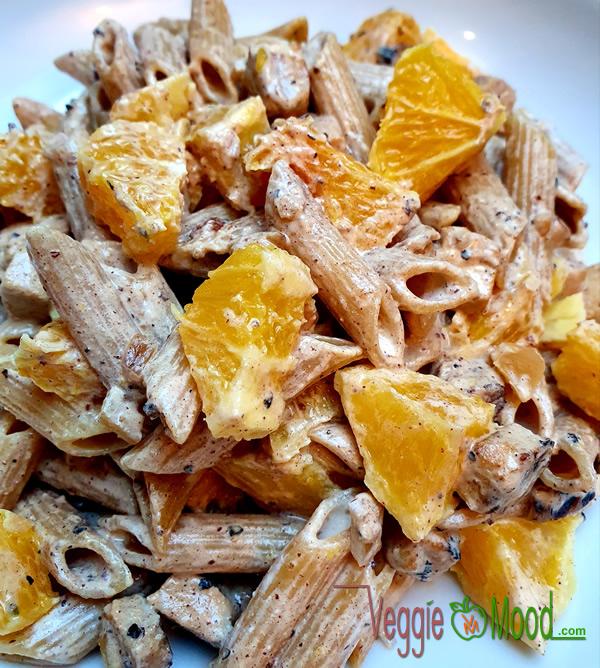 Penne au tofu caramélisé et oranges