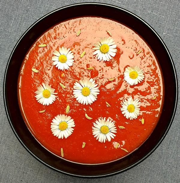 Gaspacho de tomates au curry vert et miso