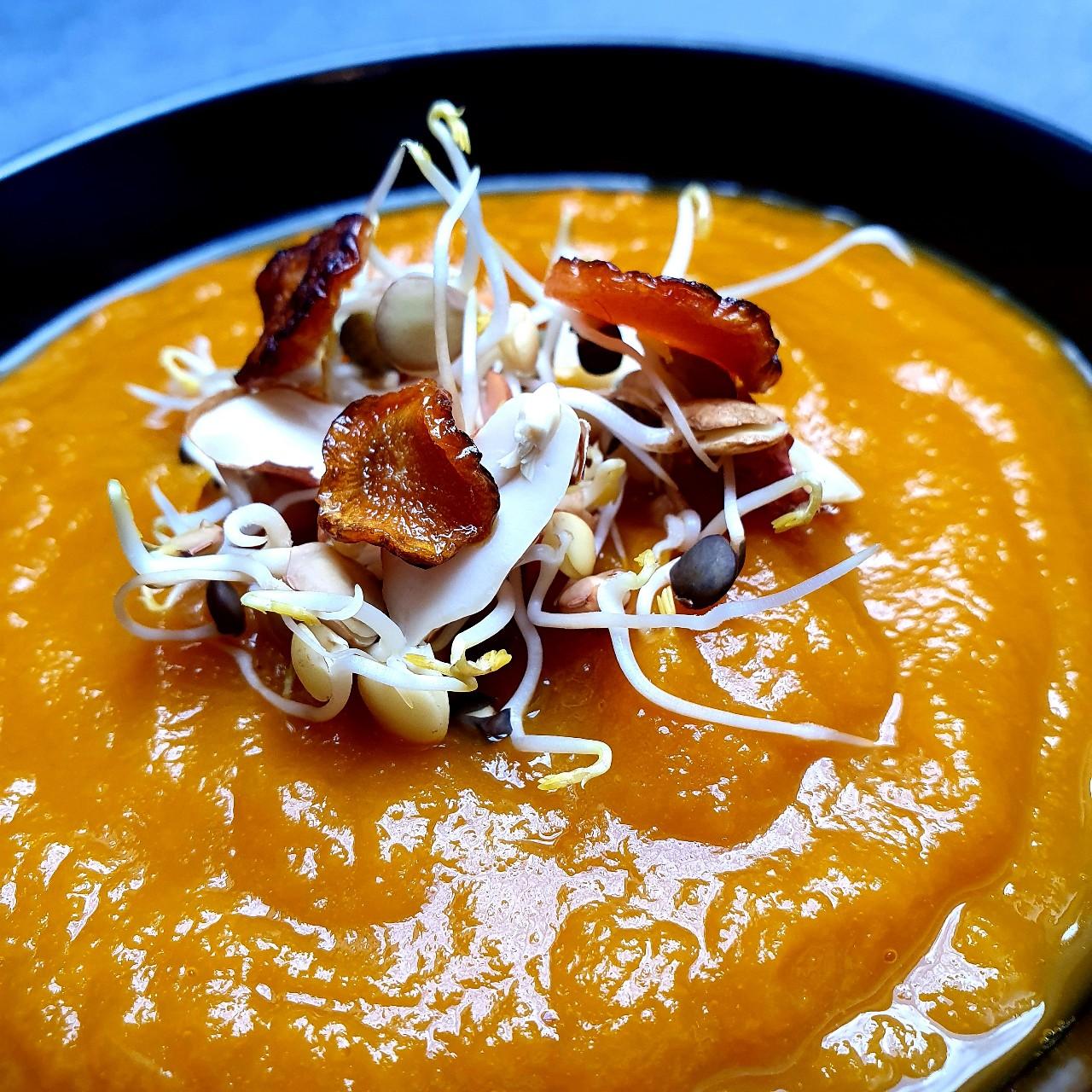 Velouté de carottes à la cacahuète