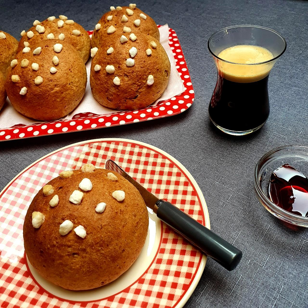 Petits pains briochés au sucre