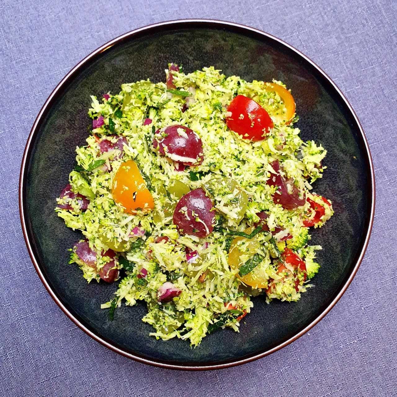 Taboulé de brocoli au raisin